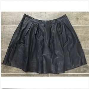 Lily White Mini Skirt Junior Size L Large Pleated